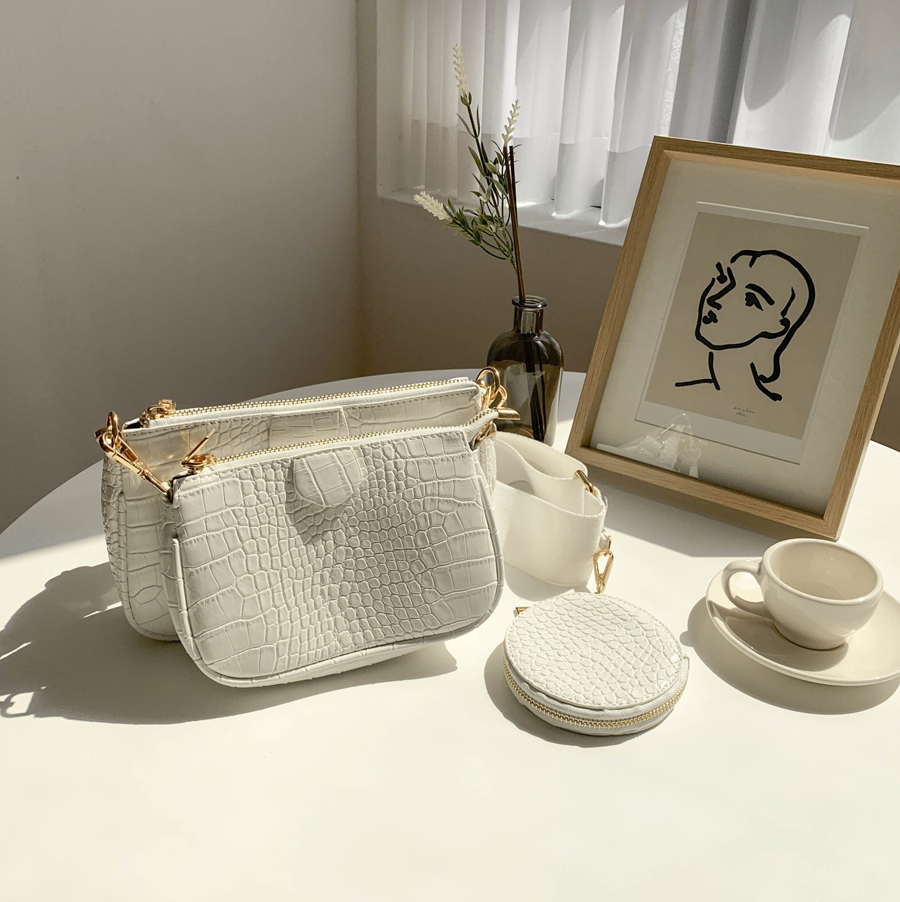 Triple bag and bag clutch cross bag white