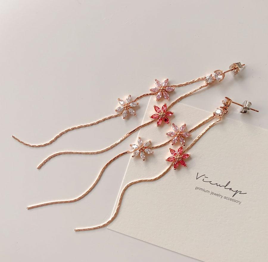 Daisy Flower Two-Line Drop Earrings