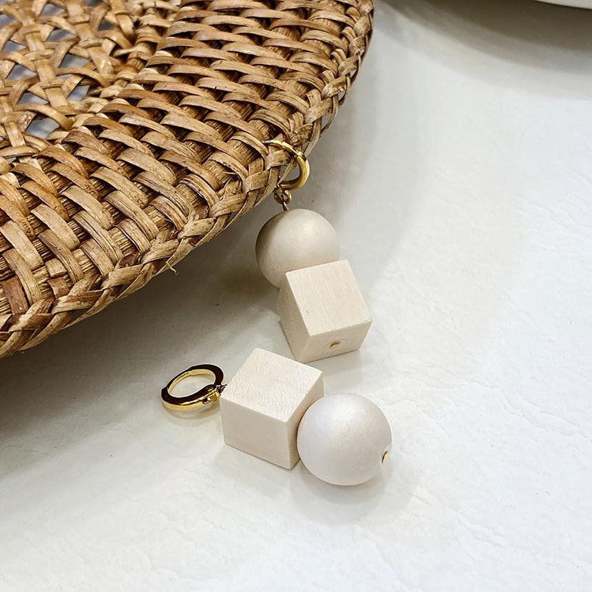 Noi Square Ball Wood Titanium Earrings