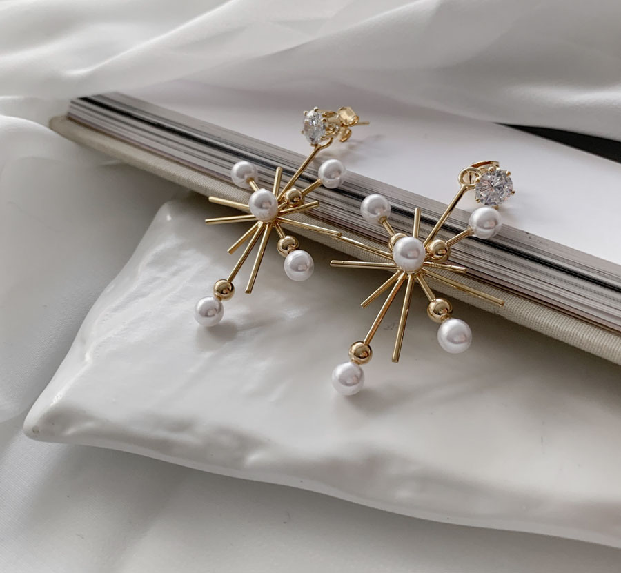 Ent Snow Pearl Earrings