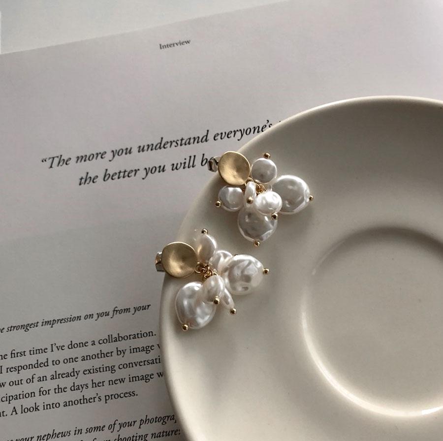 Vintage Gold Pearl Drop Earrings