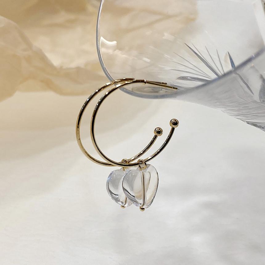 Noi Heart Gold Nickel Needle Earrings