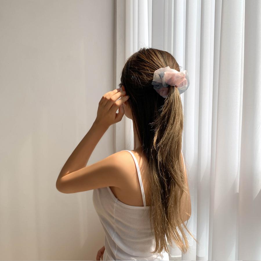 Chiffon gradient gouache hair giblets