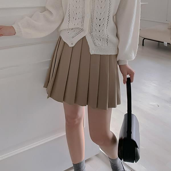 Berry pleated skirt