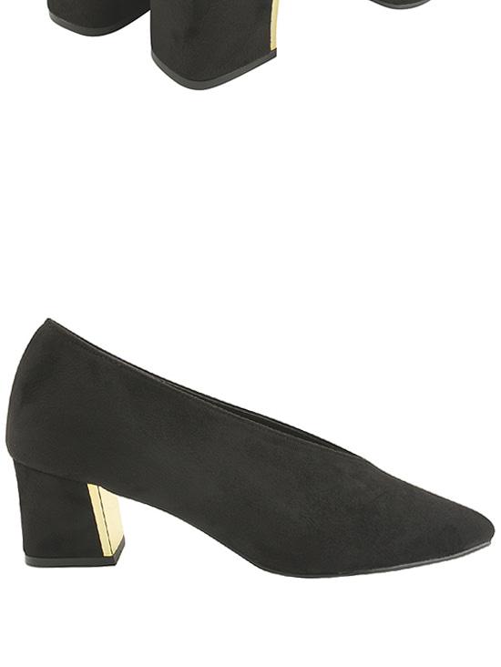 Stiletto heel middle heel pumps black