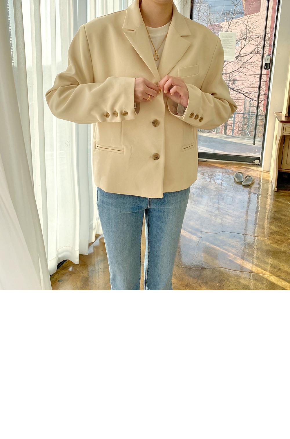 素色短版西裝外套(4色)