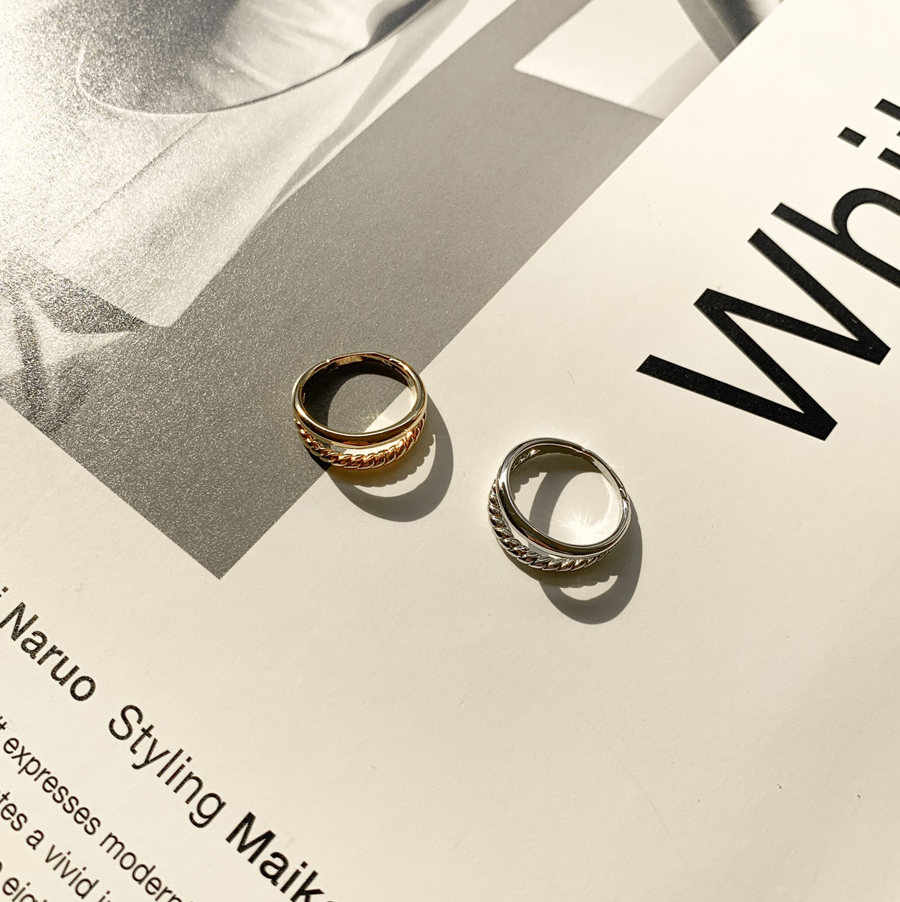 Point two-line ring