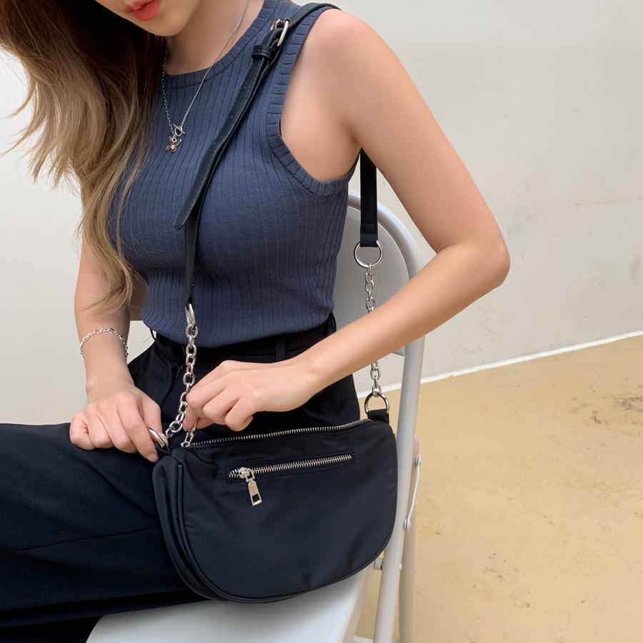 Basic multi chain cross shoulder bag