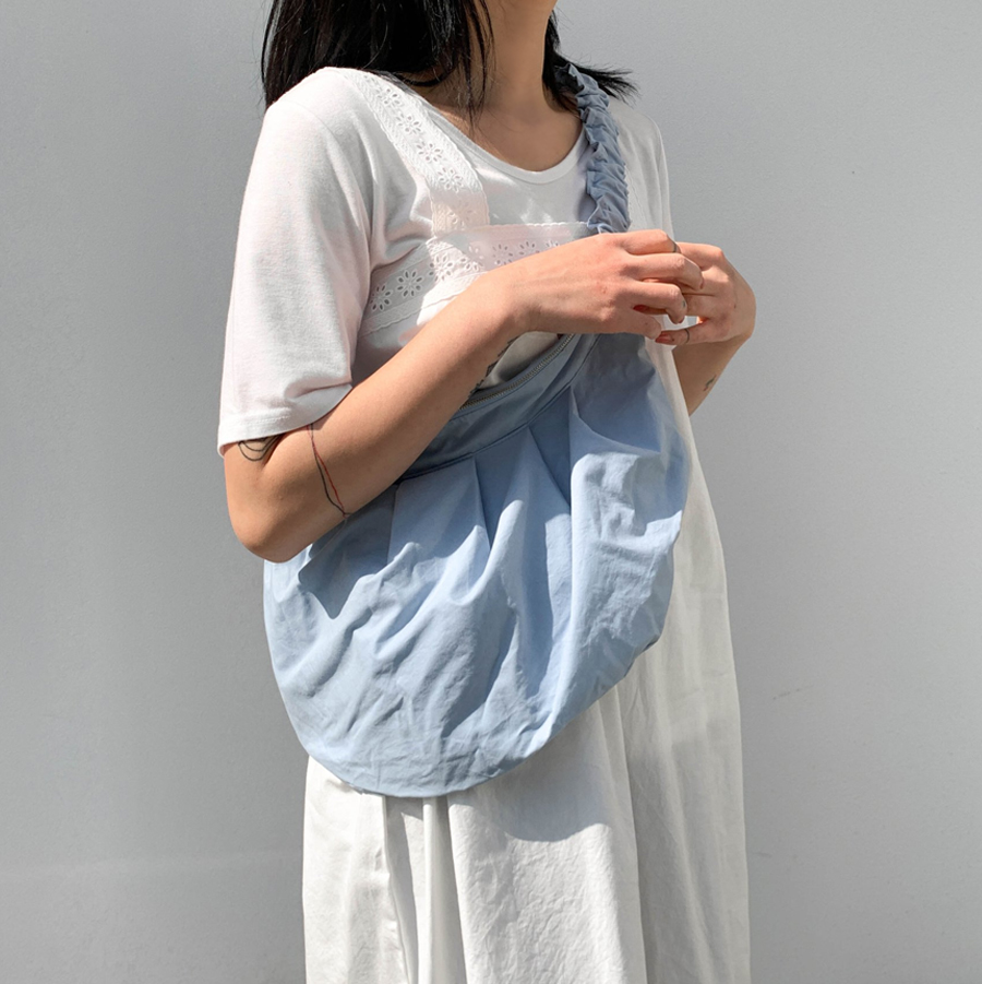 Casual pleated half moon cross bag