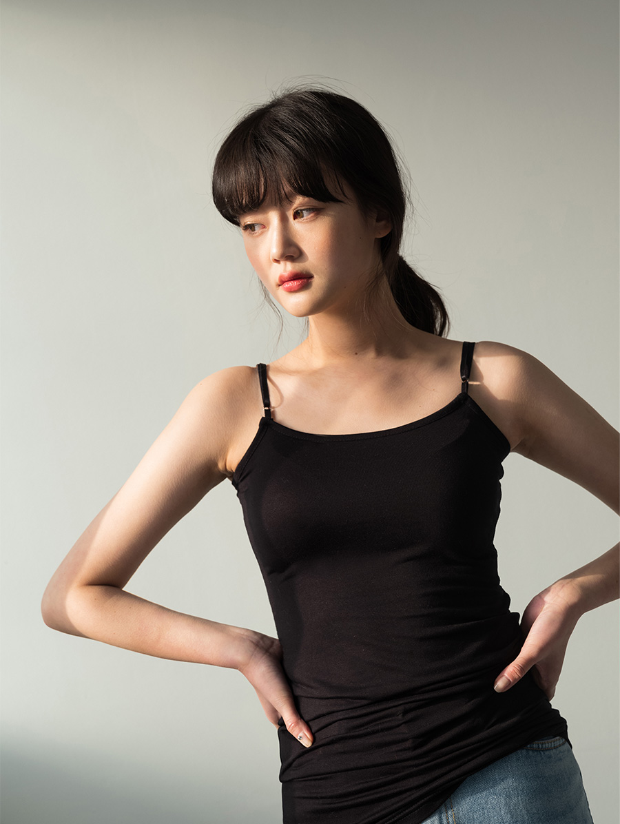 Strap adjustment inner sleeveless