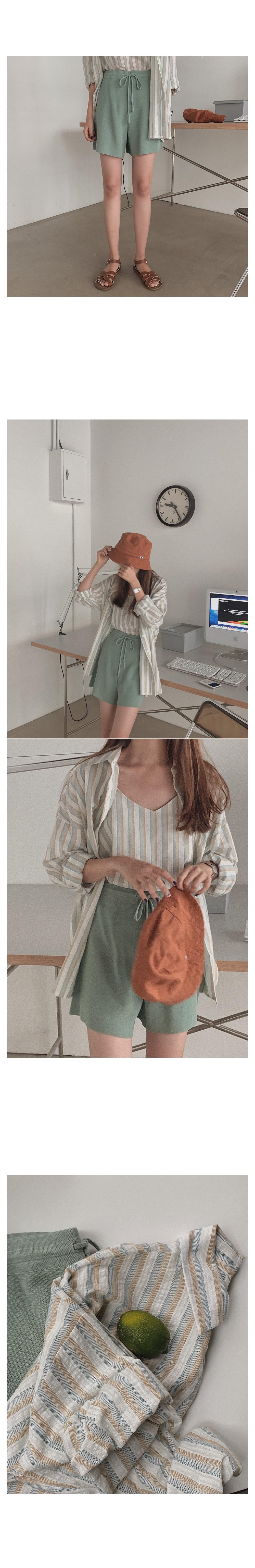 Reorder knit short pants
