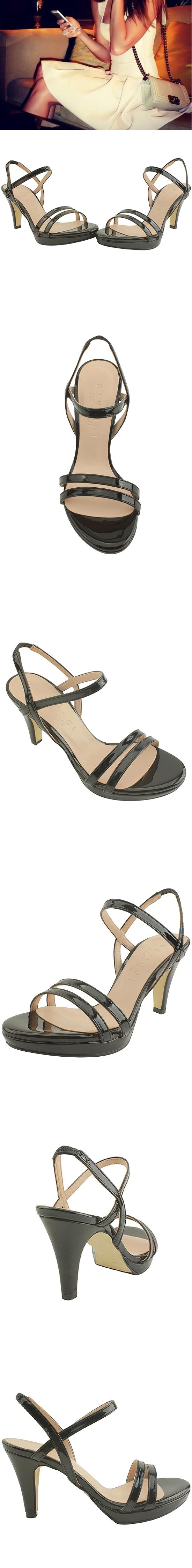 Enamel Strap Gaboshi Sandals Black