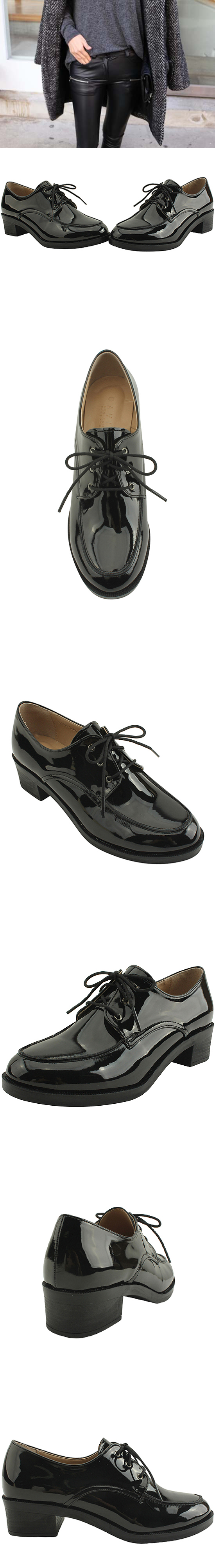 Mannish lace-up loafers black