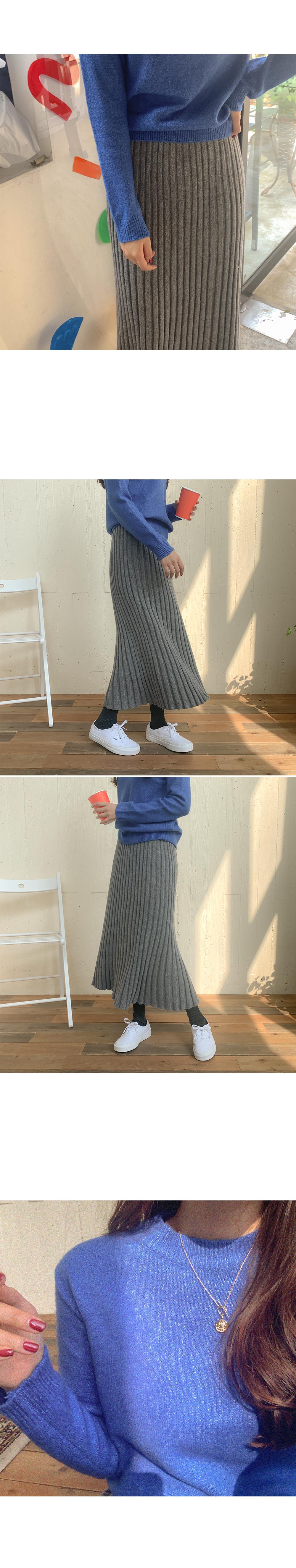 Leon pleated wool skirt