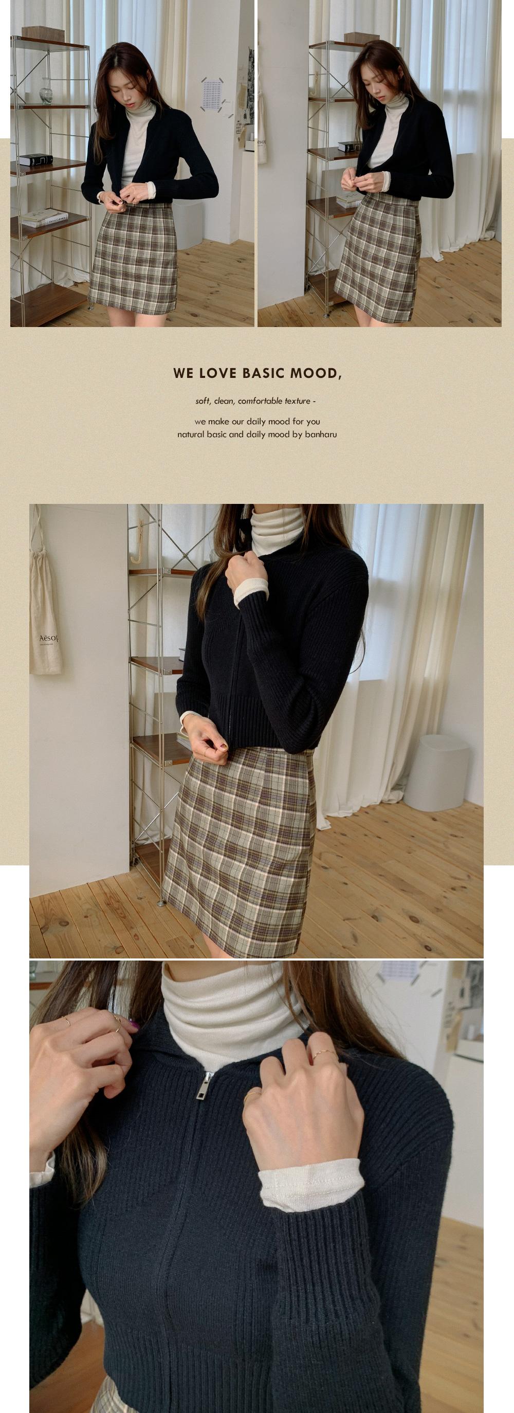 Semi A line check mini skirt