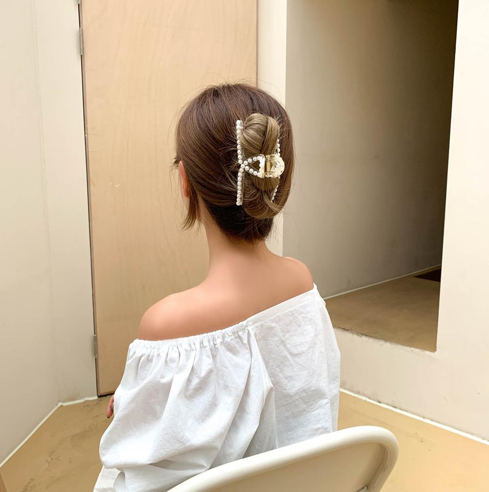 Twisted pearl hair pins