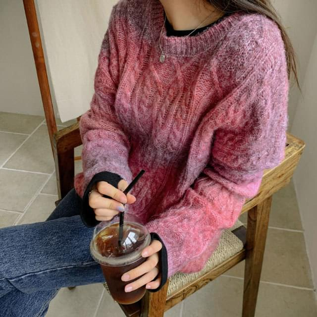 Gradient Loose Fit Twist Knit