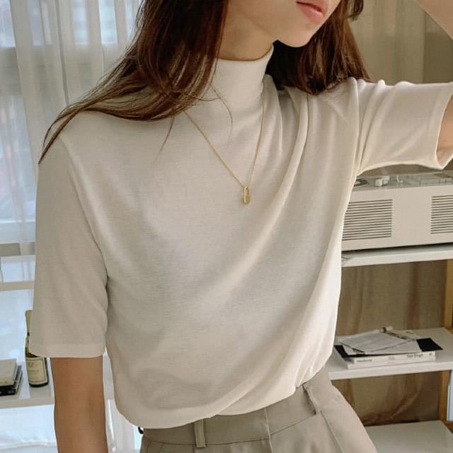 Half Neck Basic Fit Short Sleeve Tee 短袖上衣