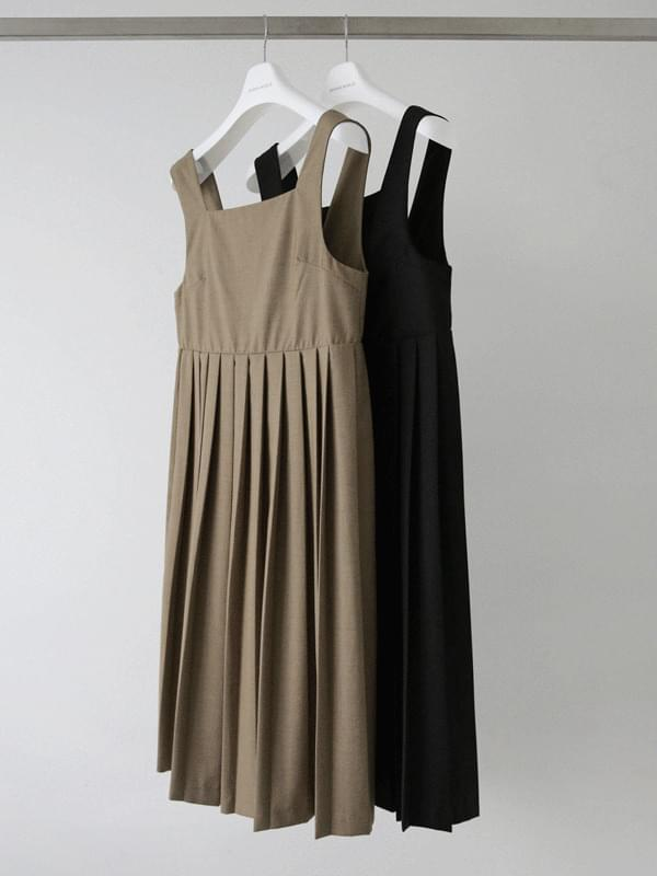 Alley back button pleated dress 及膝洋裝