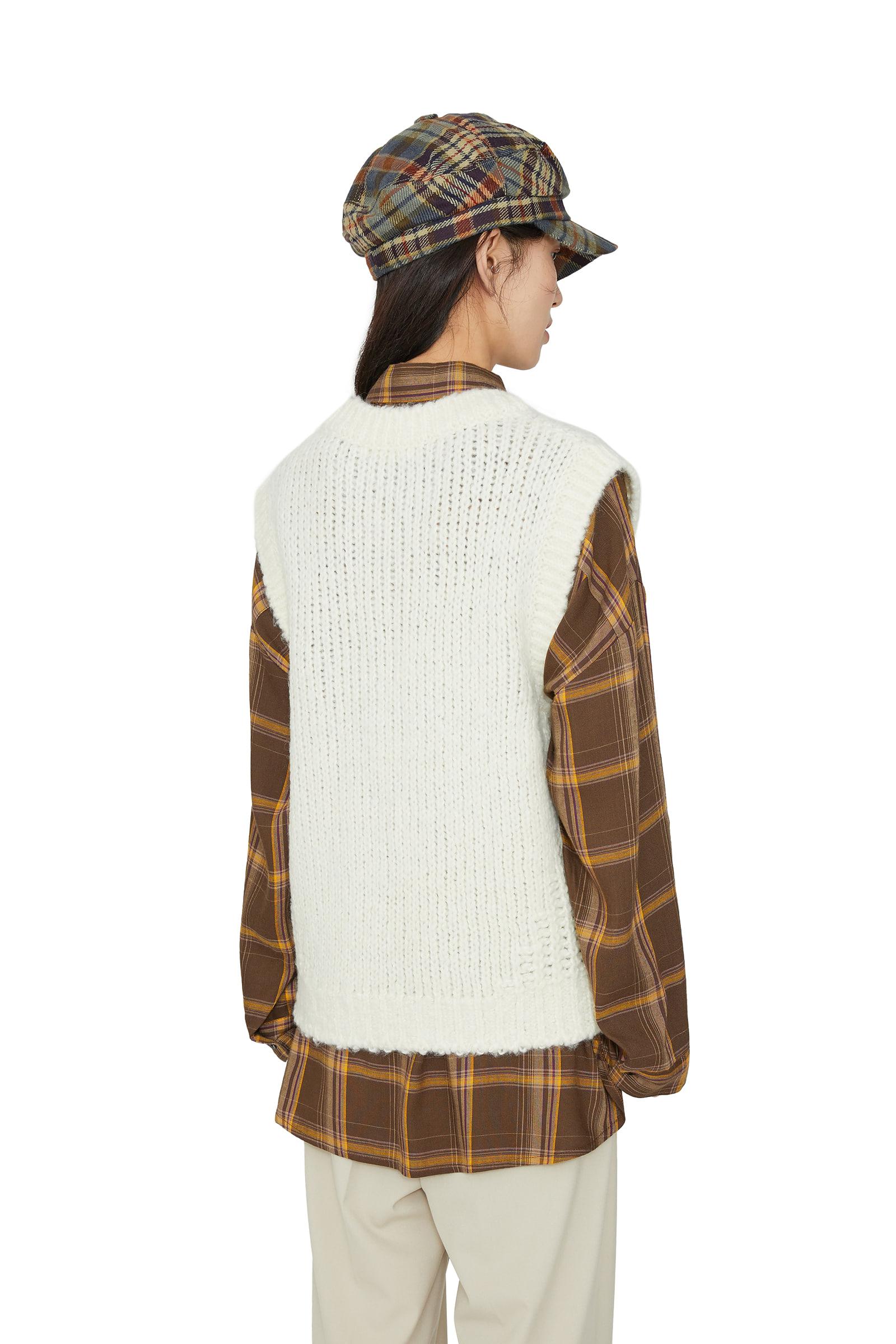 Bookle V-neck knit vest