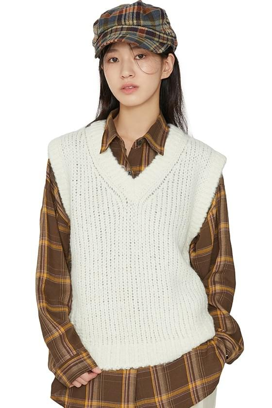Bookle V-neck knit vest