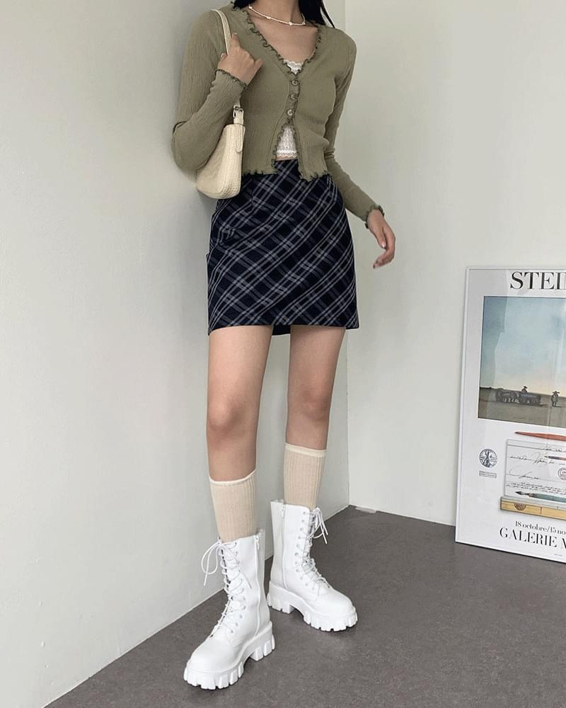 Diagonal check H-line mini skirt