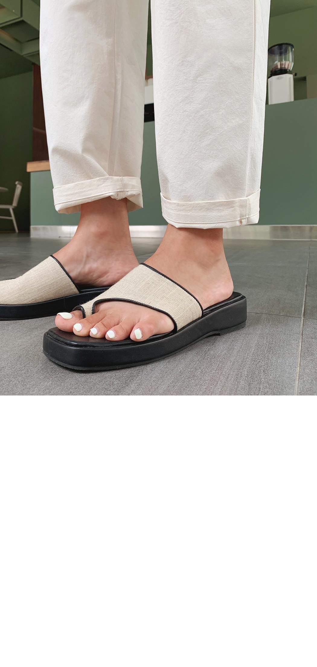 Strap platform sandals