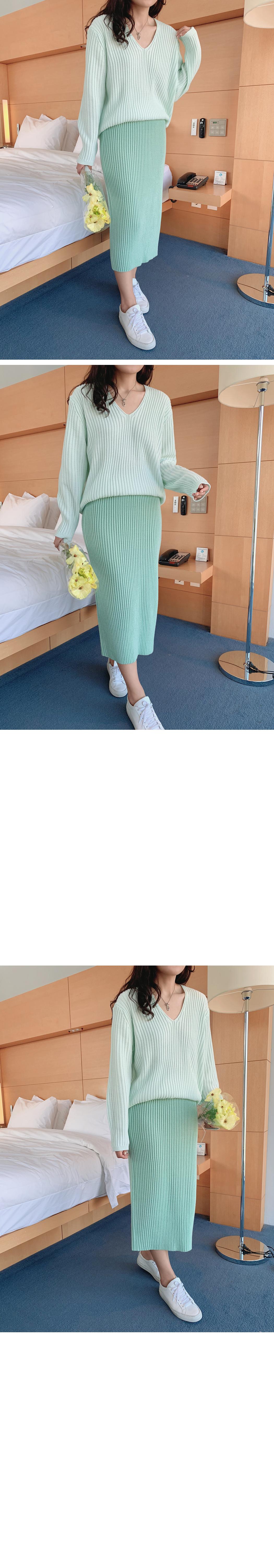 Elsa Golgi V Neck Knit
