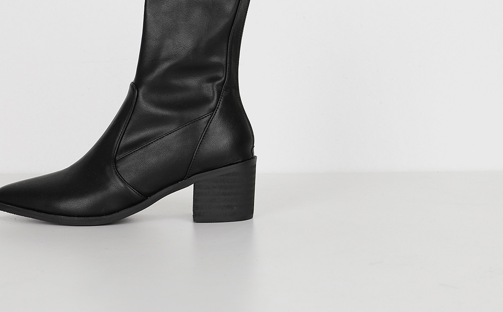 Martin middle heel ankle boots