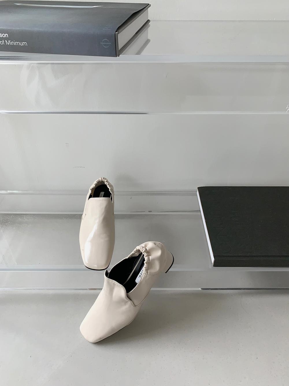 Secret banding shoes