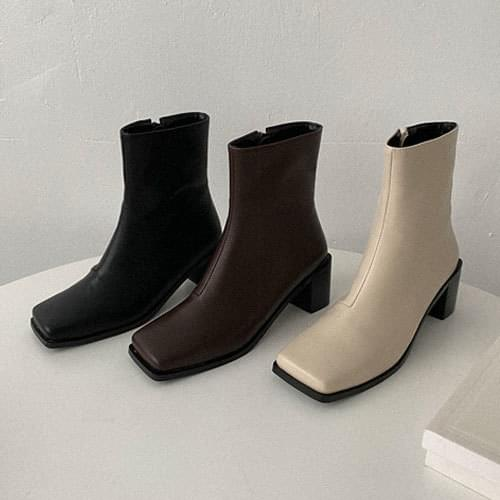 Scenical Square Ankle Boots boots