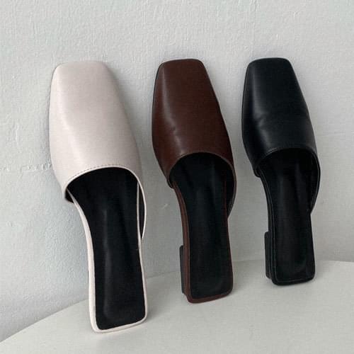 簡約弧形方頭穆勒鞋