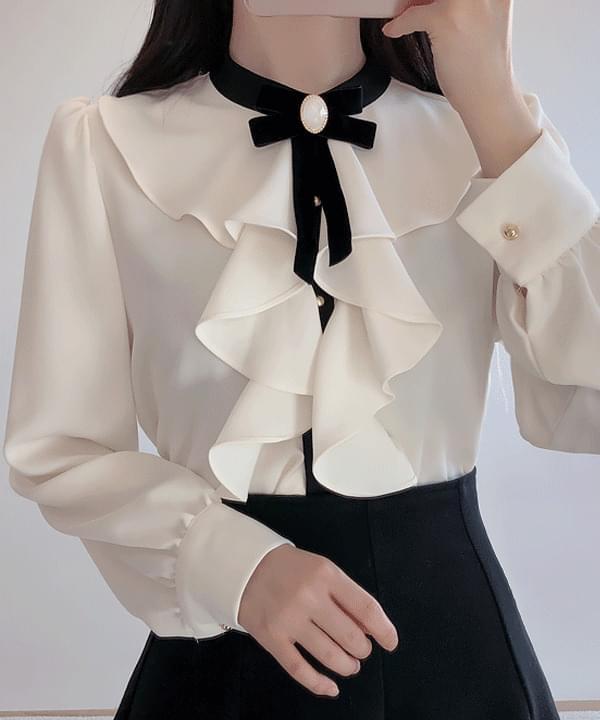 Brooch Set ♥ Shiny Ruffle blouse