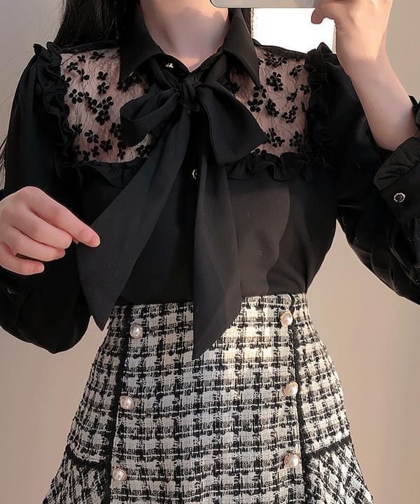 Jeanne lace ribbon carablouse