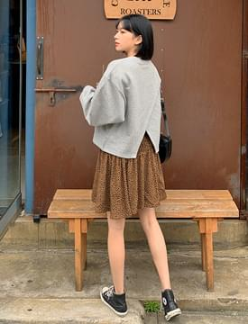 Back Point Over Fit sweat shirt 長袖上衣