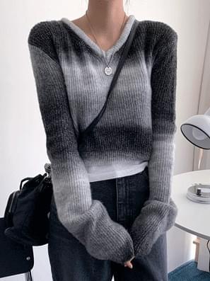 Gradient V Crop Knit