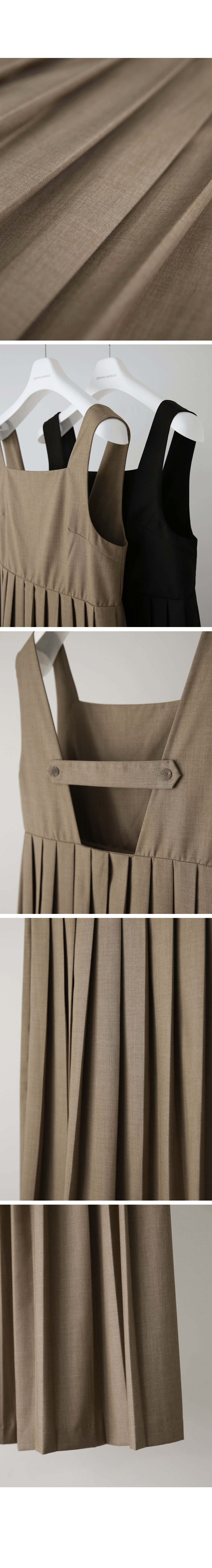 Alley back button pleated dress
