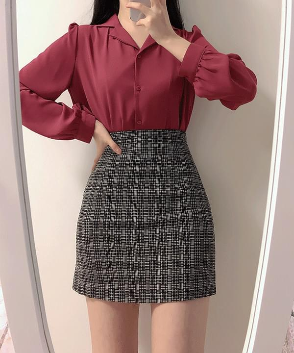 Zigzag pattern mini skirt