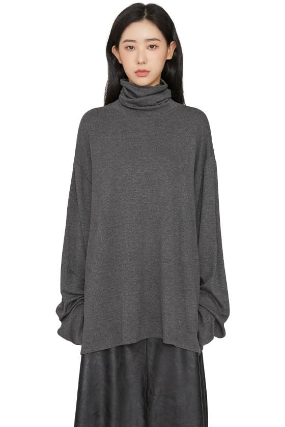 High knee over turtleneck top Long Sleeve