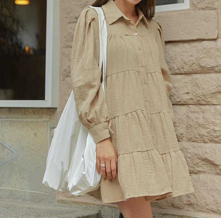 拼接層次襬澎袖排釦洋裝
