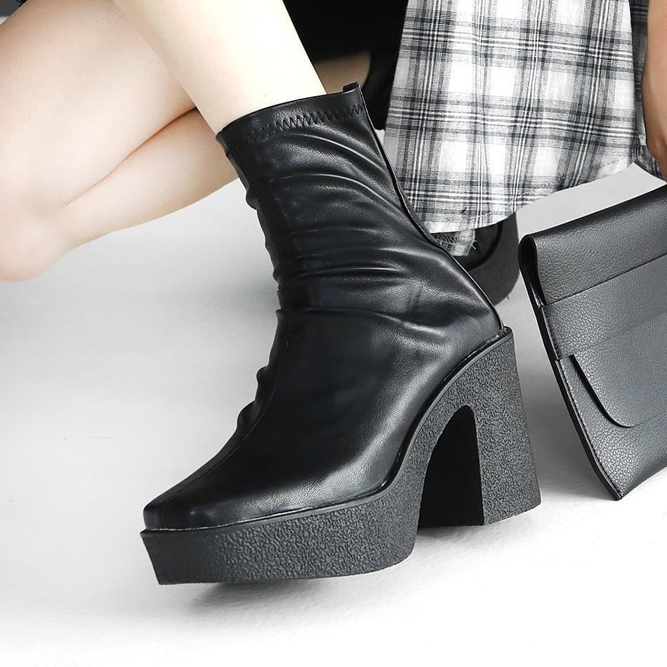 Creepel socks heirloom ankle boots 9cm