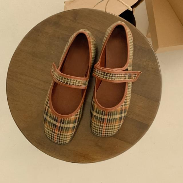Vintage mood Dalgona Velcro shoes 平底鞋