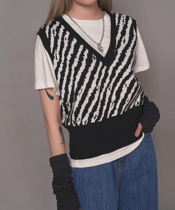 Zebra v-neck vest
