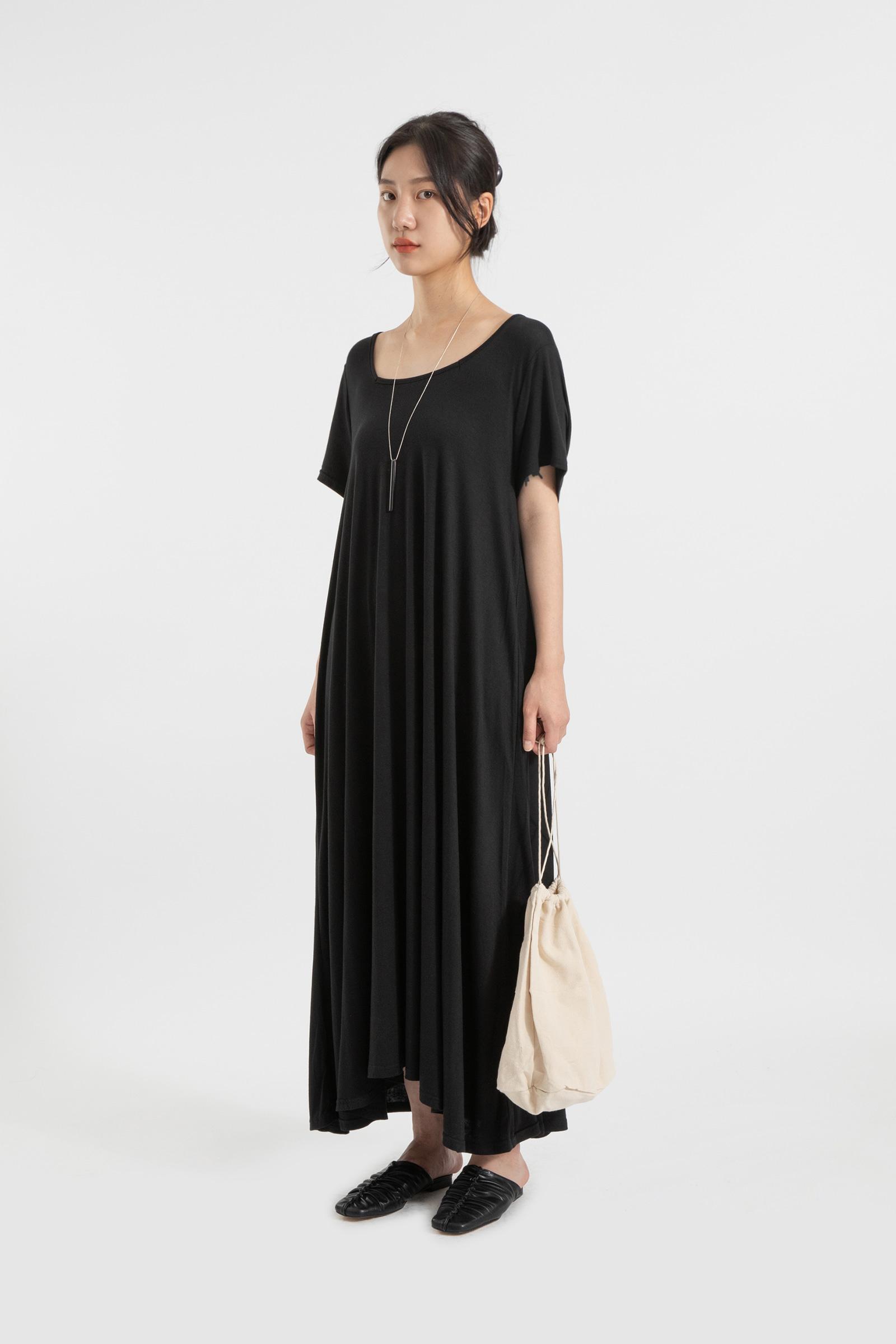 Comfy round neck maxi dress