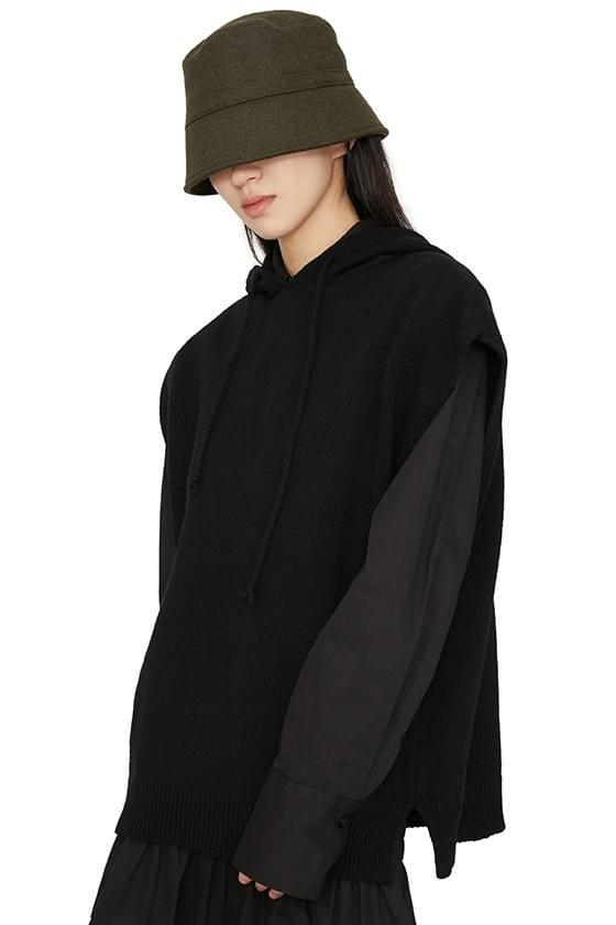 Lost hooded knit vest