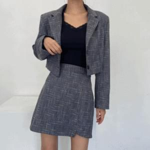 Tweed cropped jacket + unfooted mini skirt setup