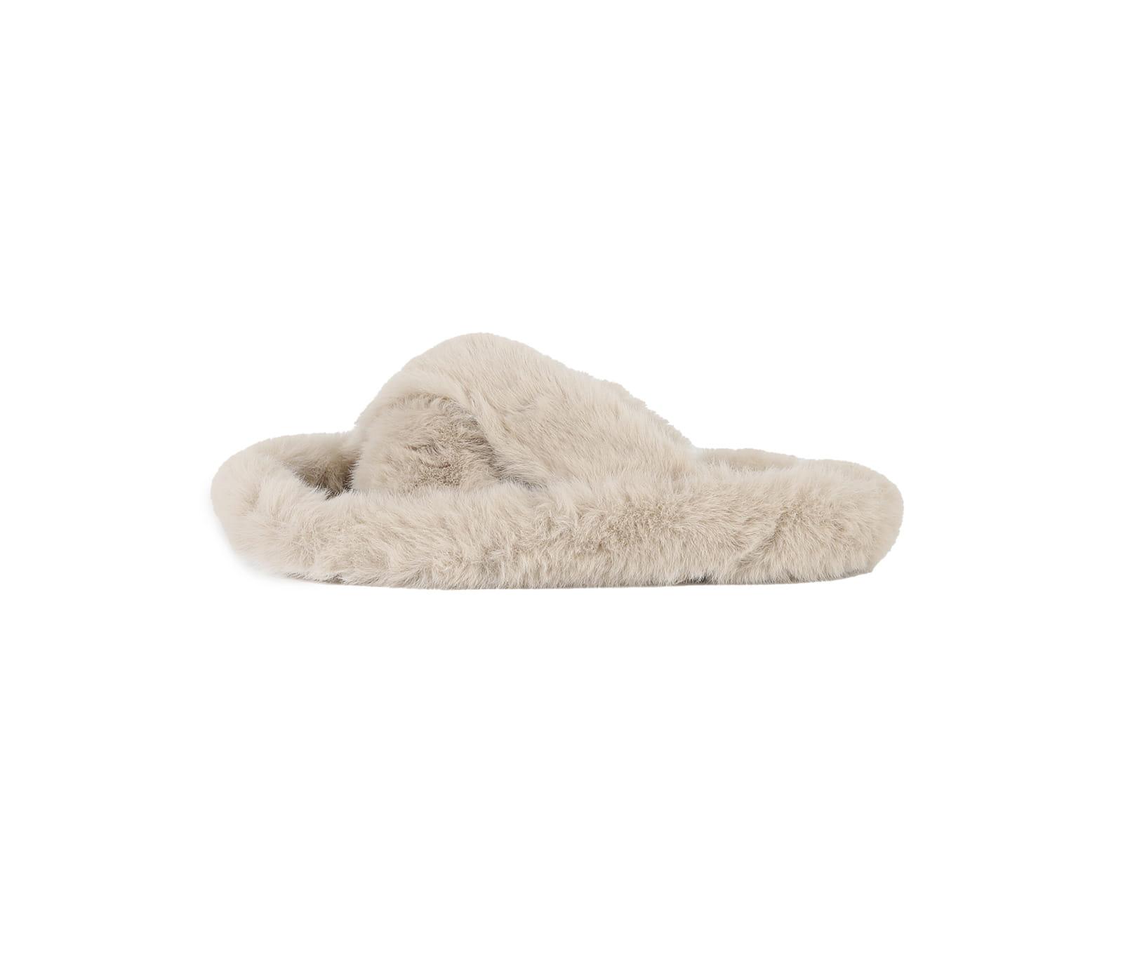 Blush fur flat sandals
