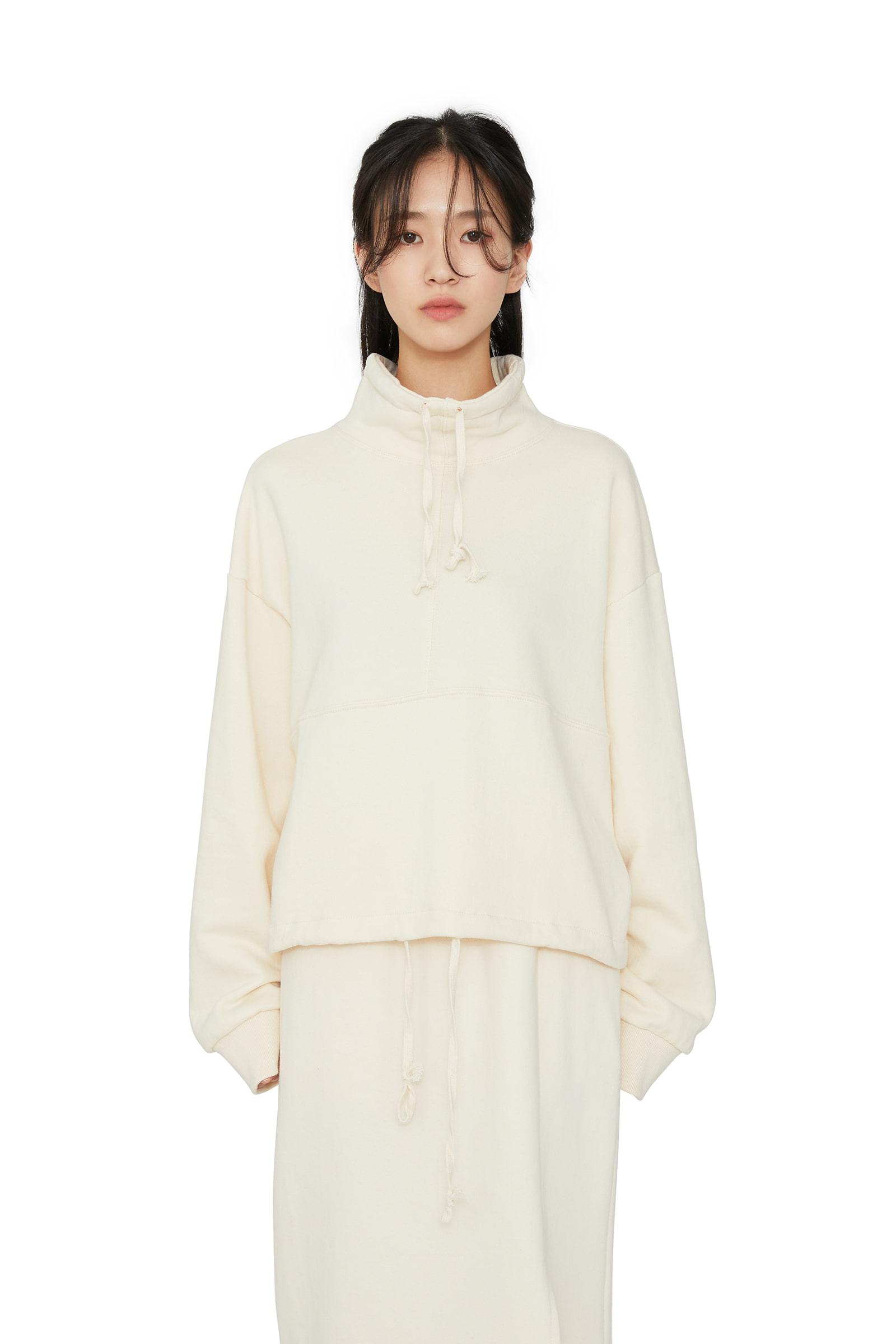 Treasure turtleneck sweatshirt