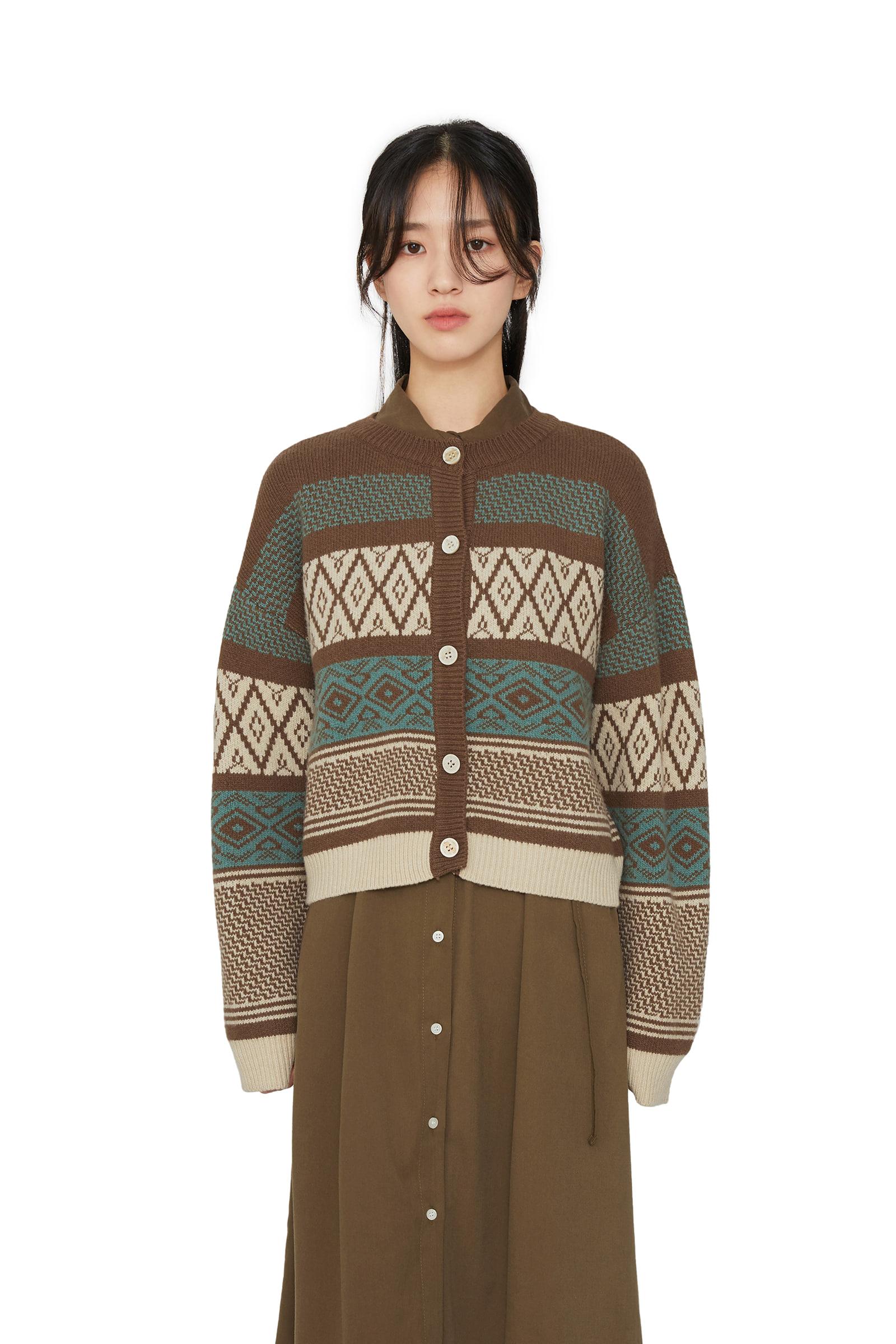 Jacquard pattern knit cardigan