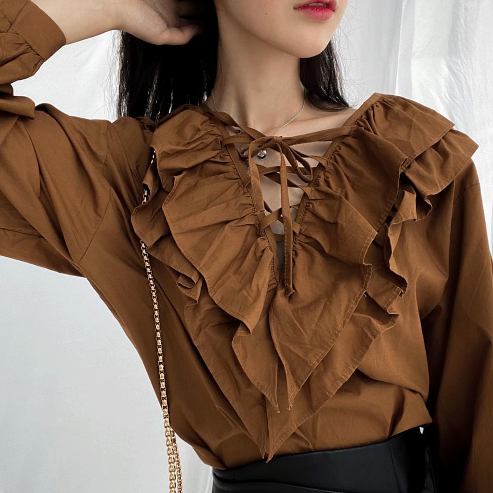 718 frill balloon eyelet blouse